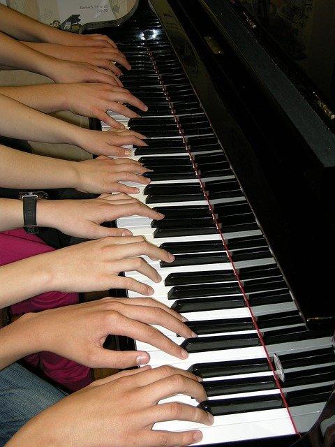 uchitel-po-muzike